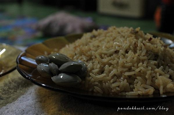 Cakna dalam makan nasi goreng